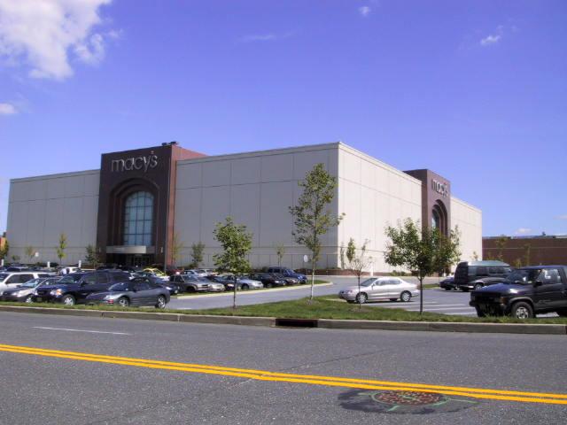 Macy's – Freehold Raceway Mall